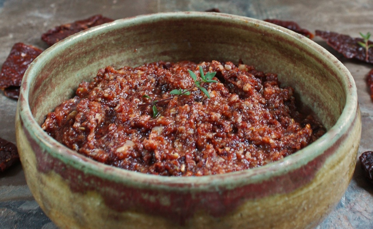 Oliven-Tomaten-Dip Paleo