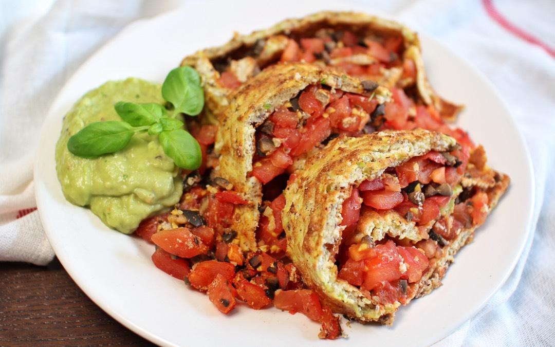 Zucchini-Tomatenrolle